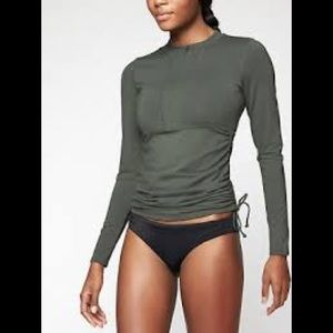 Athlete long sleeve ruched rashguard